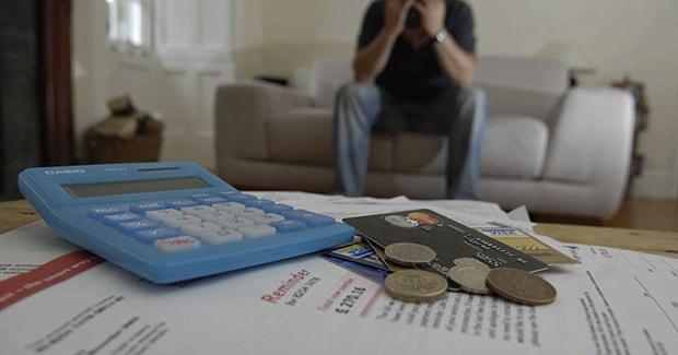 долг по кредитам