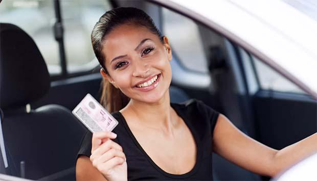 Проверить водительское удостоверение по базам ГИБДД онлайн. Проверка водителя на лишение прав. На сайте нашего сервиса Вы сможете получить самые полные данные о действительности документов за 5 минут!