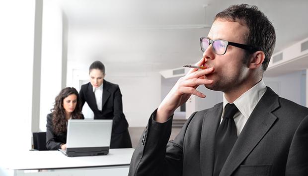 почему важно проверять сотрудника на розыск