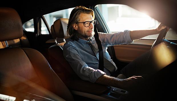 как проверить человека перед слачей ему авто в аренду