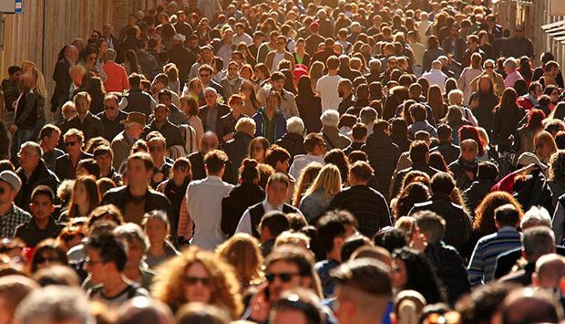 Как найти человека по паспорту, можно ли узнать паспортные данные по фамилии, какие сведения можно проверить по паспорту человека — найти человека, узнать о нем официальную информацию из государственных баз данных поможет сервис проверки CheckPerson