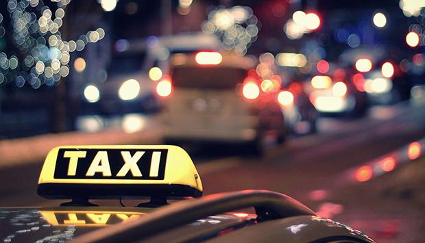 проверить водителя перед приемом на службу такси