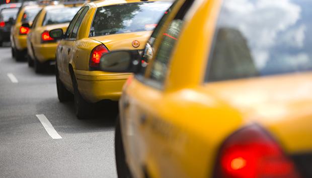 служба такси проверка водителя