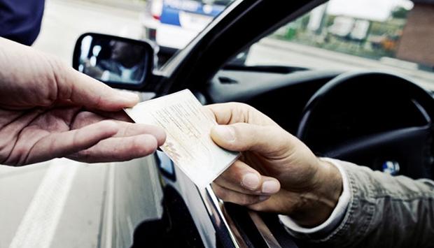 Зачем нужно проверять водительское удостоверение по базе данных ГИБДД, что покажет проверка водительского удостоверения и как это сделать быстро и в режиме онлайн – читайте в материале на официальном сервисе проверки CheсkPerson.