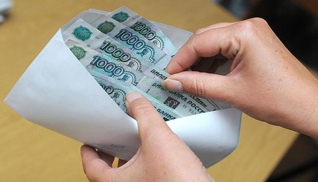 Чиновники посчитали объем «серых» доходов в России, он доходит до 10 триллионов рублей, чем грозит зарплата «в конвертах» работникам и стране в целом, а также какие меры планируют предпринимать власти – читайте в материале на официальном сервисе проверки CheсkPerson
